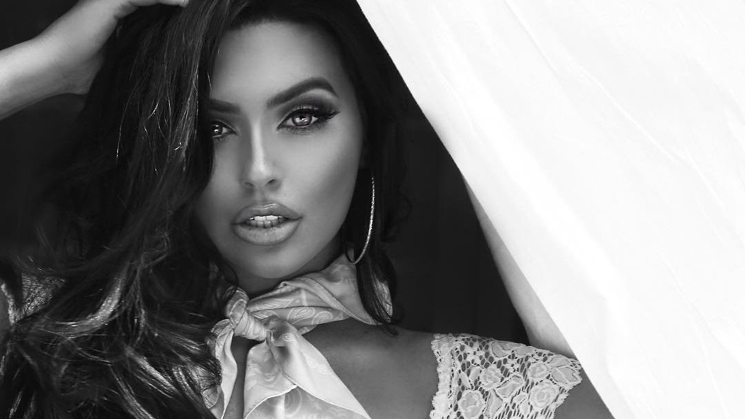 abigail Abigail ratchford, los angeles, california 42m likes model and actress los angeles twitter-abiratchford abigail ratchford souvenir shop in los angeles, california.