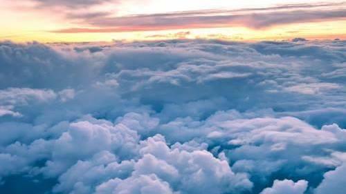 Resultat d'imatges de tumblr nubes