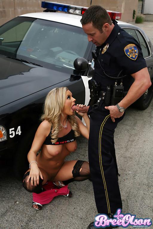 секс с девушками в полицейской форме фото