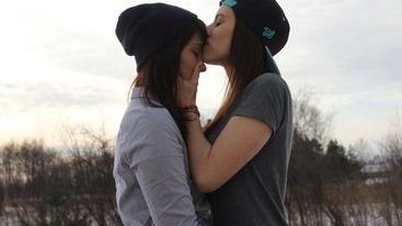 Resultado de imagen de two lesbian girls tumblr