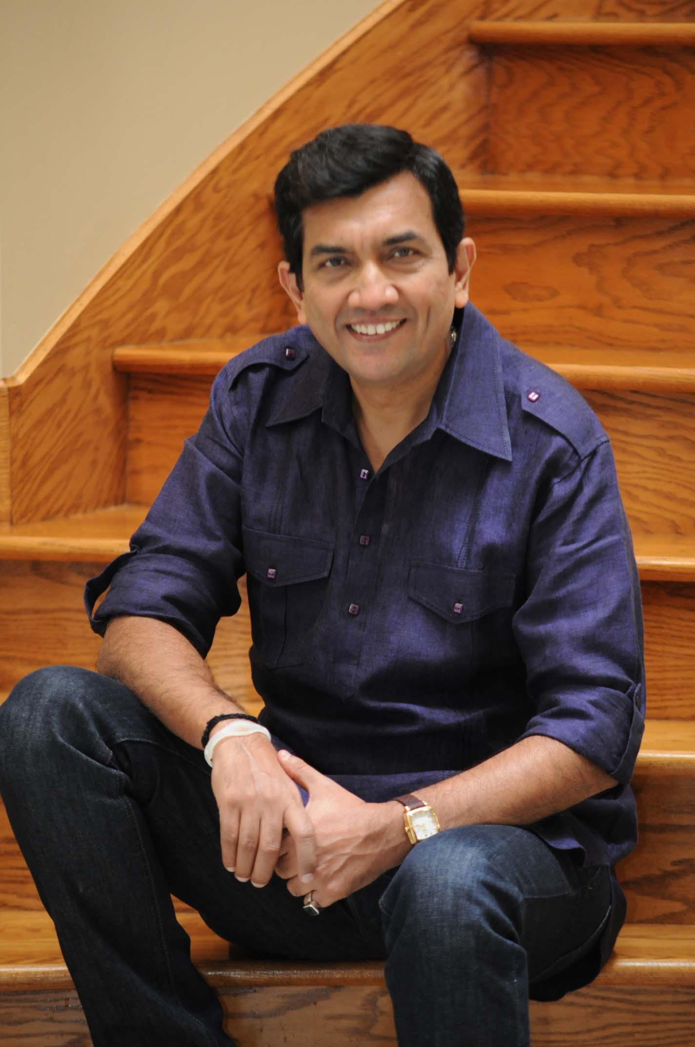 Sanjeev kapoor master chef tv show host author of best selling cookbooks foodfood tv channel restaurant consultant architect of a unique range of food products and forumfinder Images