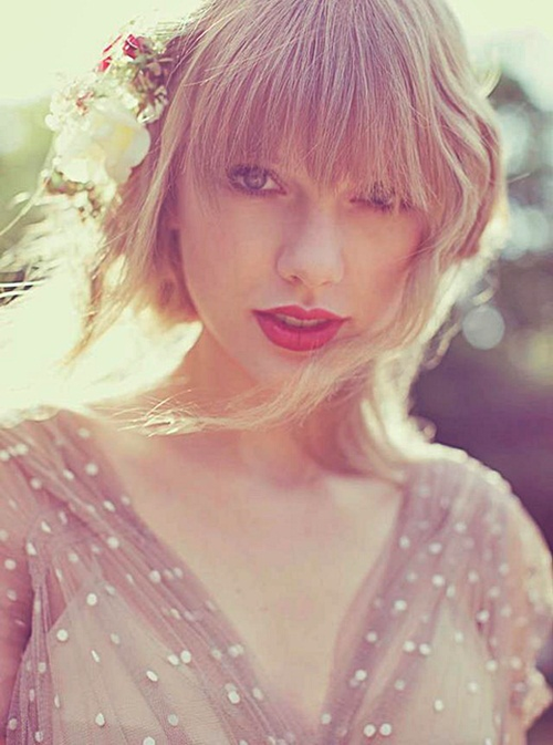 Taylor Swift Tumblr 2013 Queen RED
