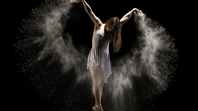 High-speed photography : Dancing Girl