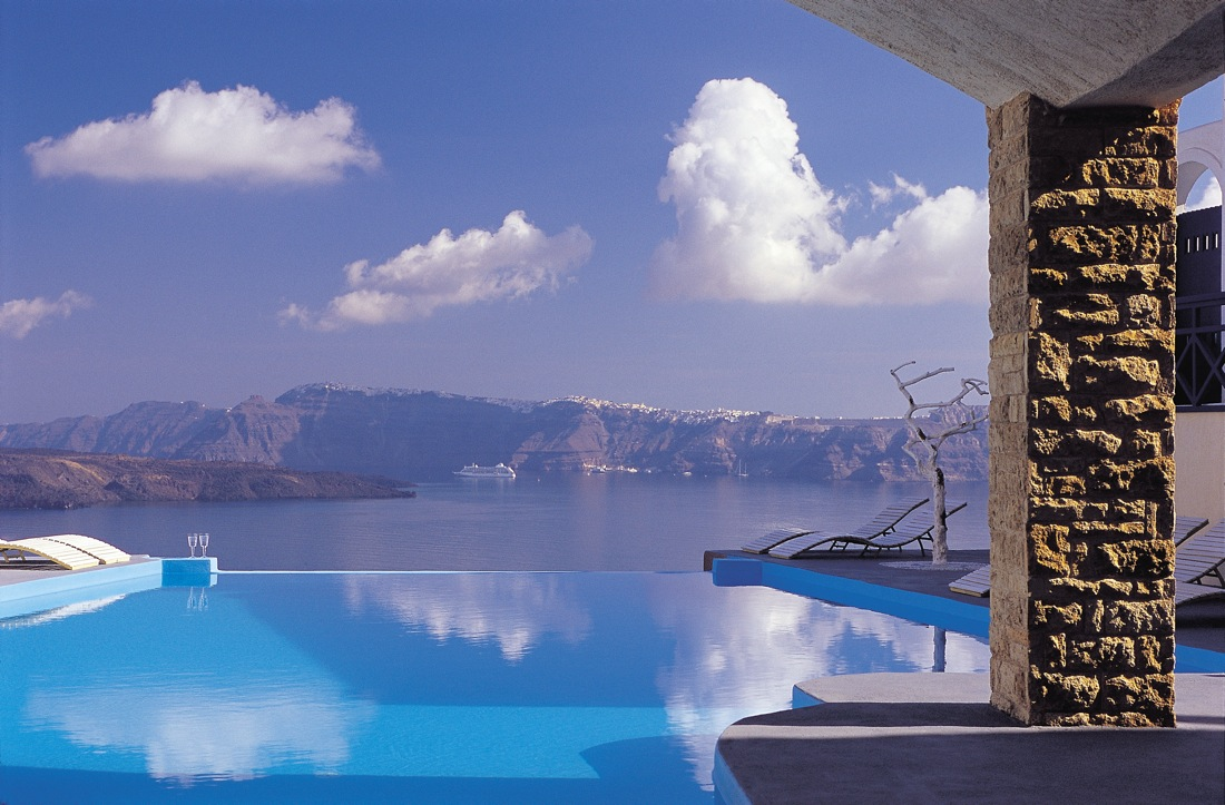 Astarte suites hotel santorini greece for Boutique de la piscine