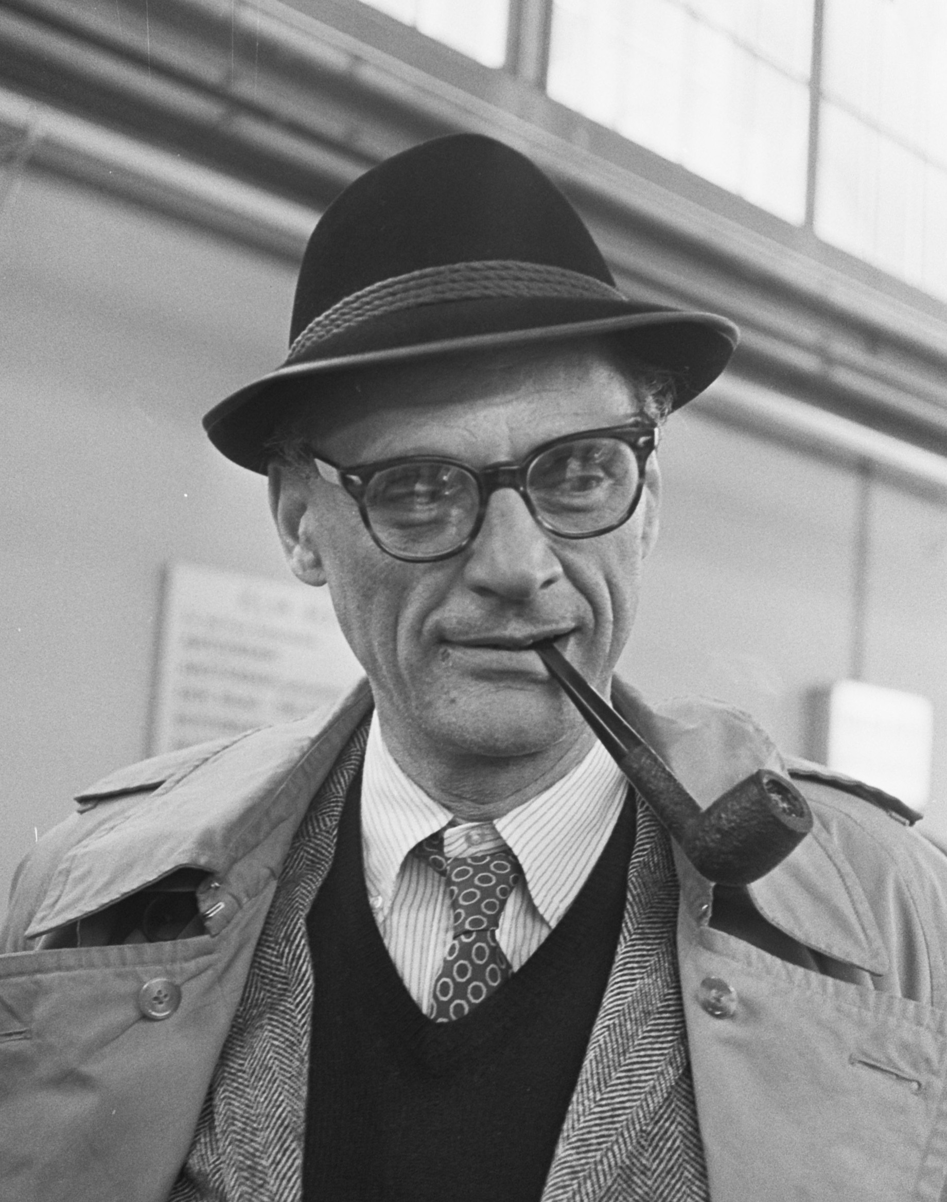 an overview of the arthur millers death of a salesman Free essay: criticism of arthur miller's death of a salesman i found arthur miller's death of a salesman, while a definite classic, not as interesting as.