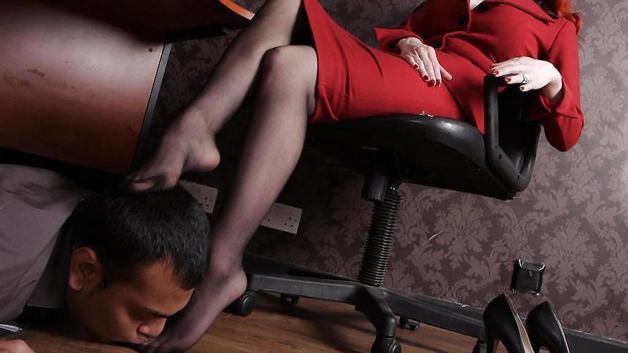 Ножки женское доминирование
