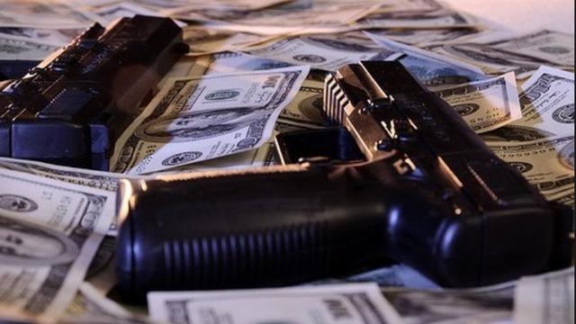 Resultado de imagen de gun tumblr money