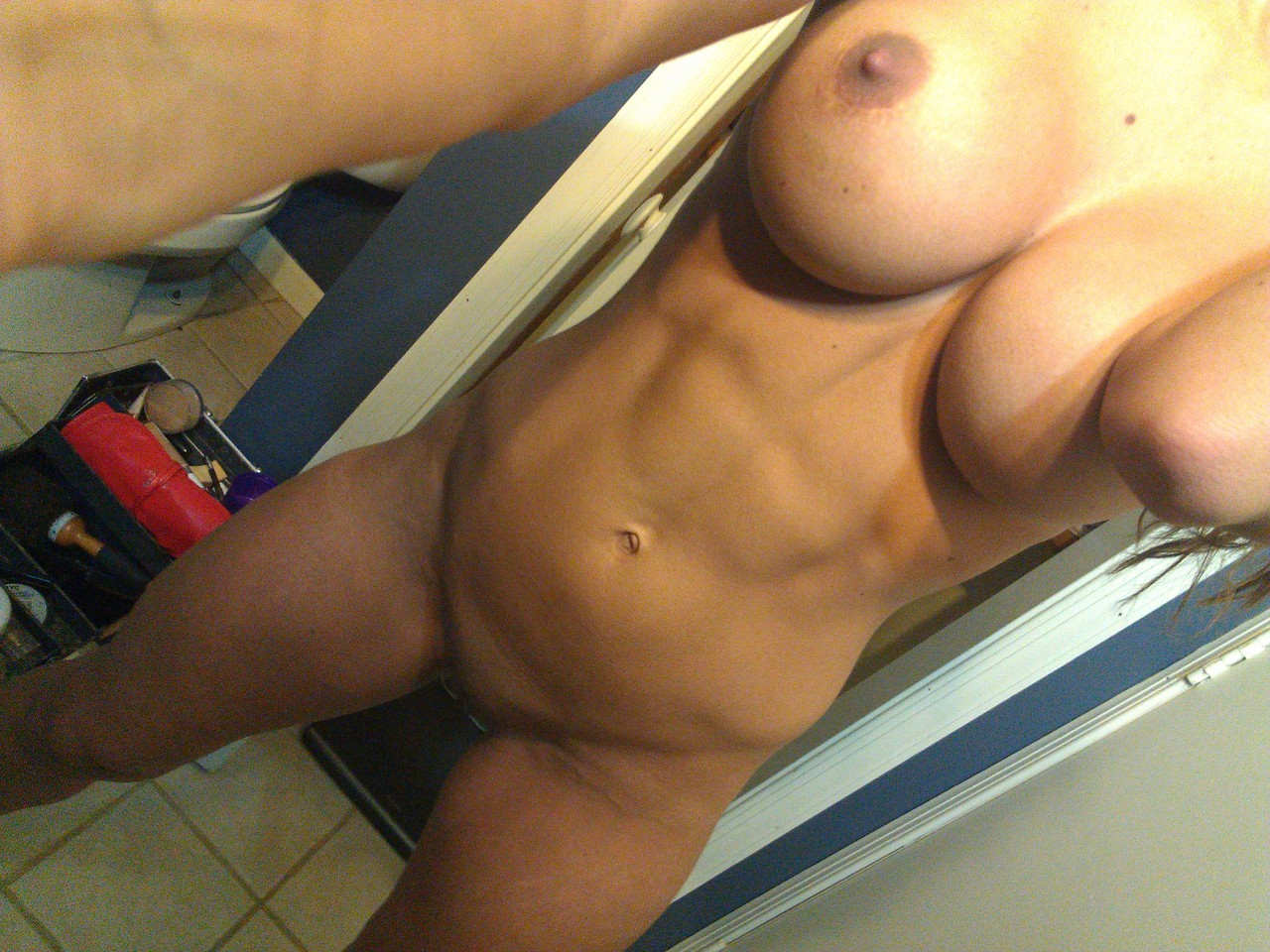 Abs naked girl