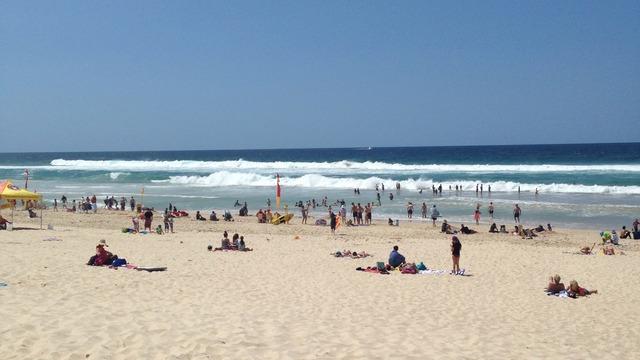 Gold Coast Bikini Girls