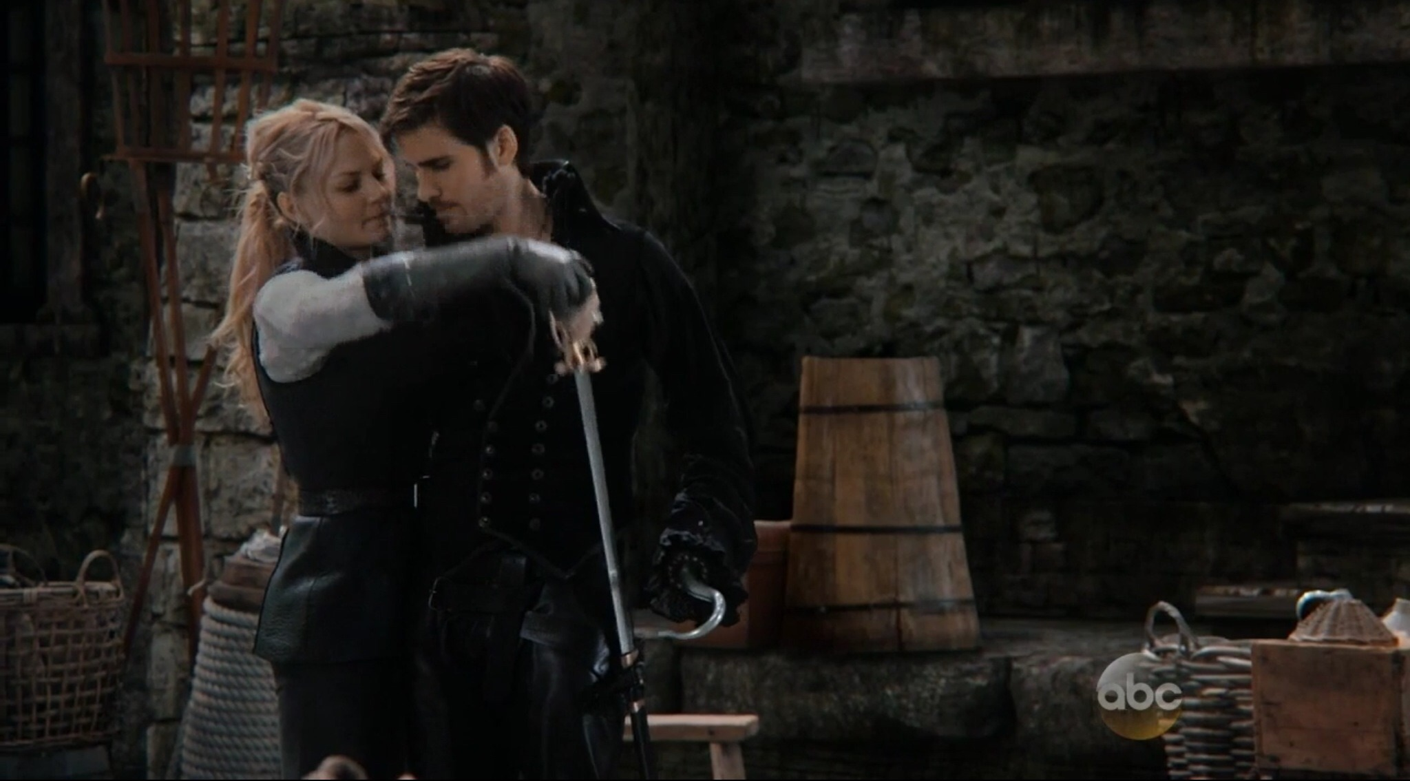 in once upon a time does captain hook die Once upon a time's hook and add sunday's episode of once upon a time to an excuse me while i go cry myself to sleep over captain swan being separated once.