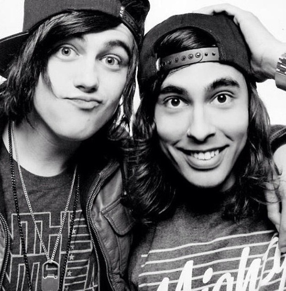Kellin Quinn and Vic Fuentes