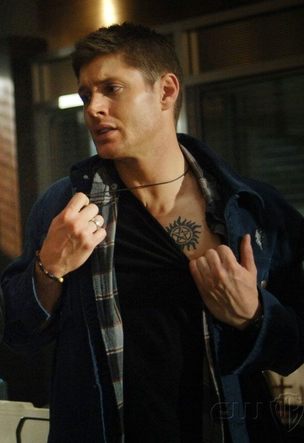 tumblr_static_dean-winchester-image-dean-winchester-36077761-598-871.jpg