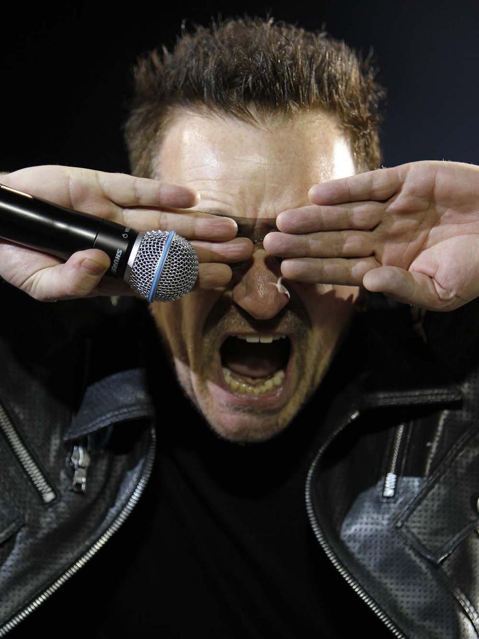 Bono ed i suoi capelli... trapianto o magggia??? R6798805017853