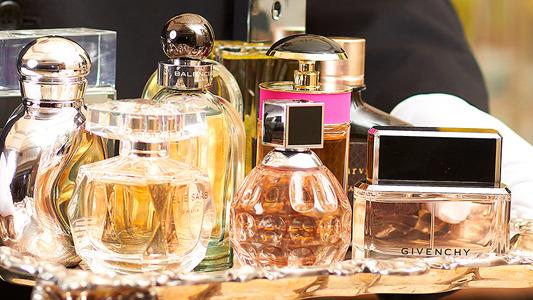 Resultado de imagem para perfumes tumblr