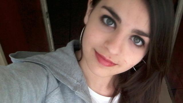 Ragazze con capelli neri e occhi azzurri – Tagli per capelli corti ae6e1bb22660