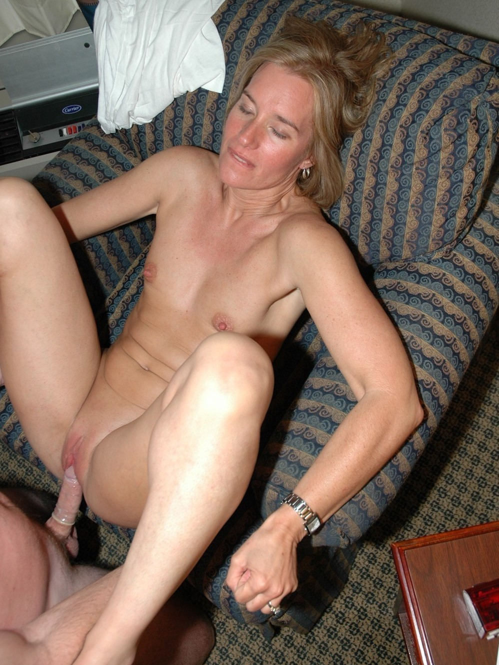 A young slut sweetly finished in the hotel