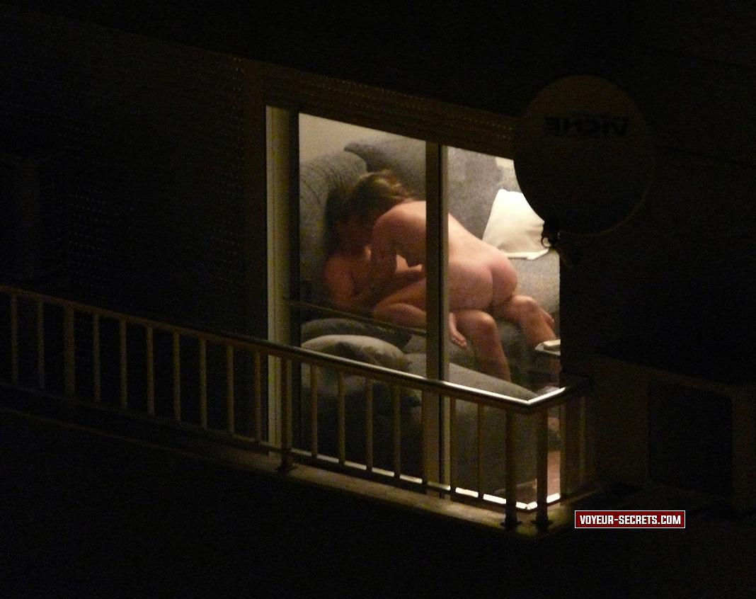 Секс в чужом окне