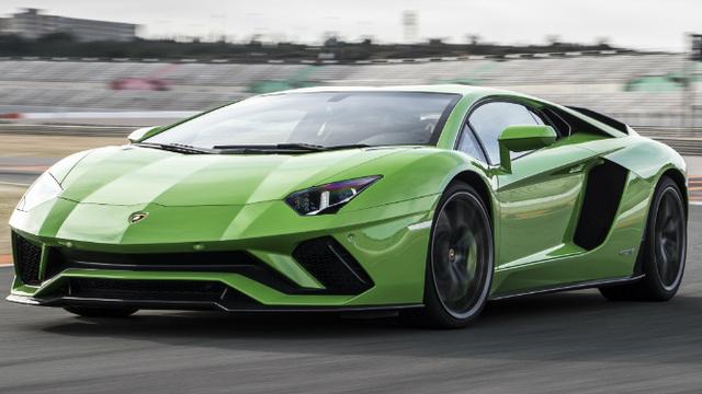 Who Makes Lamborghini Engine