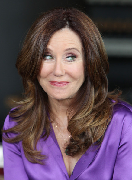 Mary McDonnell website