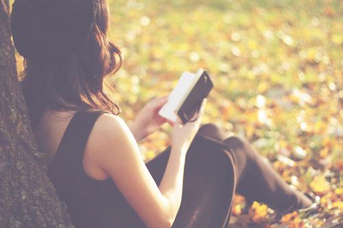 Queen Girl Reading Photography Tumblr