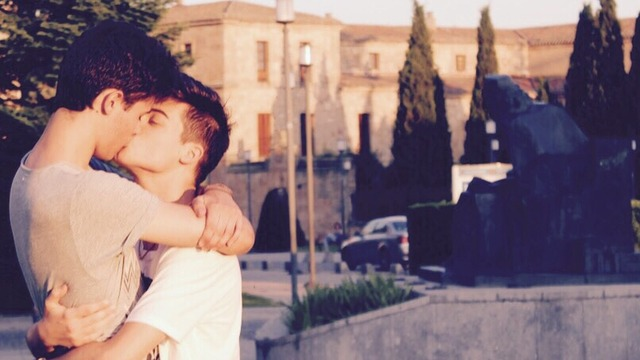 Gay couples kissing tumblr