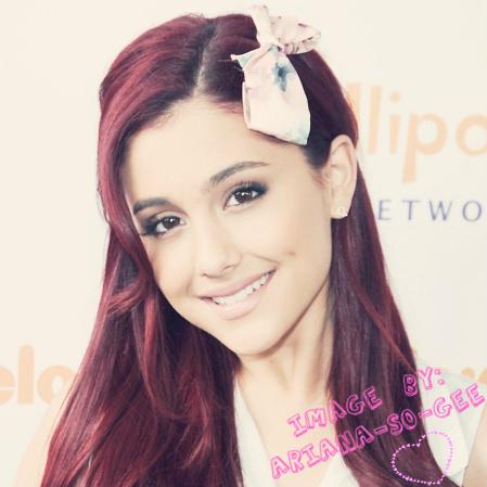 ariana grande victorious. Ariana Grande