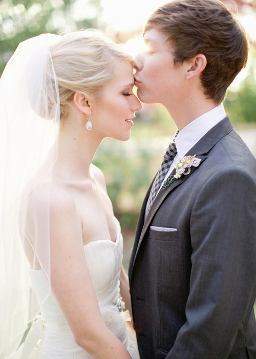 19  Gallery Images For Johanna Braddy And Josh Blaylock KissJohanna Braddy And Josh Blaylock