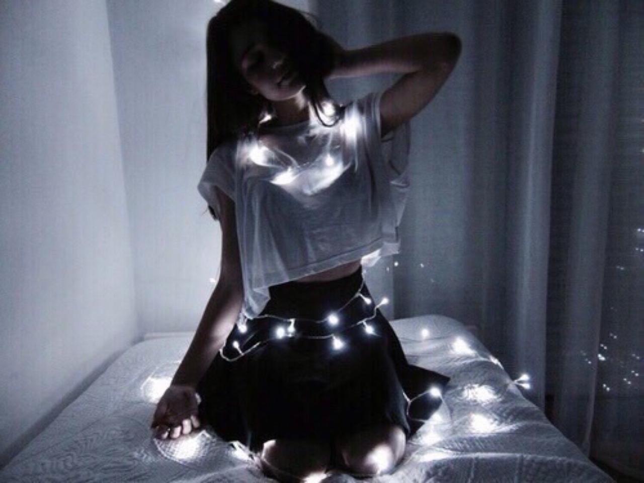 Фото девушек на аву без лица в темноте