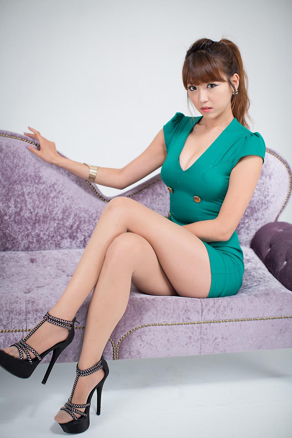 Sexy babe sharon lee