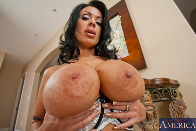 Hot mom sucks the big one