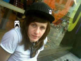 Olly (.)