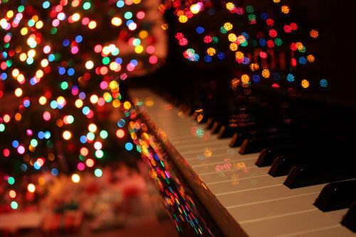 christmas piano wallpaper - photo #2