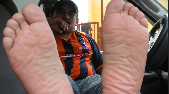 Worship Big Daddy Feet