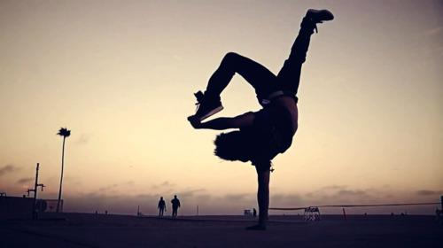 Por m  225 s consejos que te den  hay lecciones que s  243 lo aprender  225 s a    Hip Hop Dancing Gif Tumblr