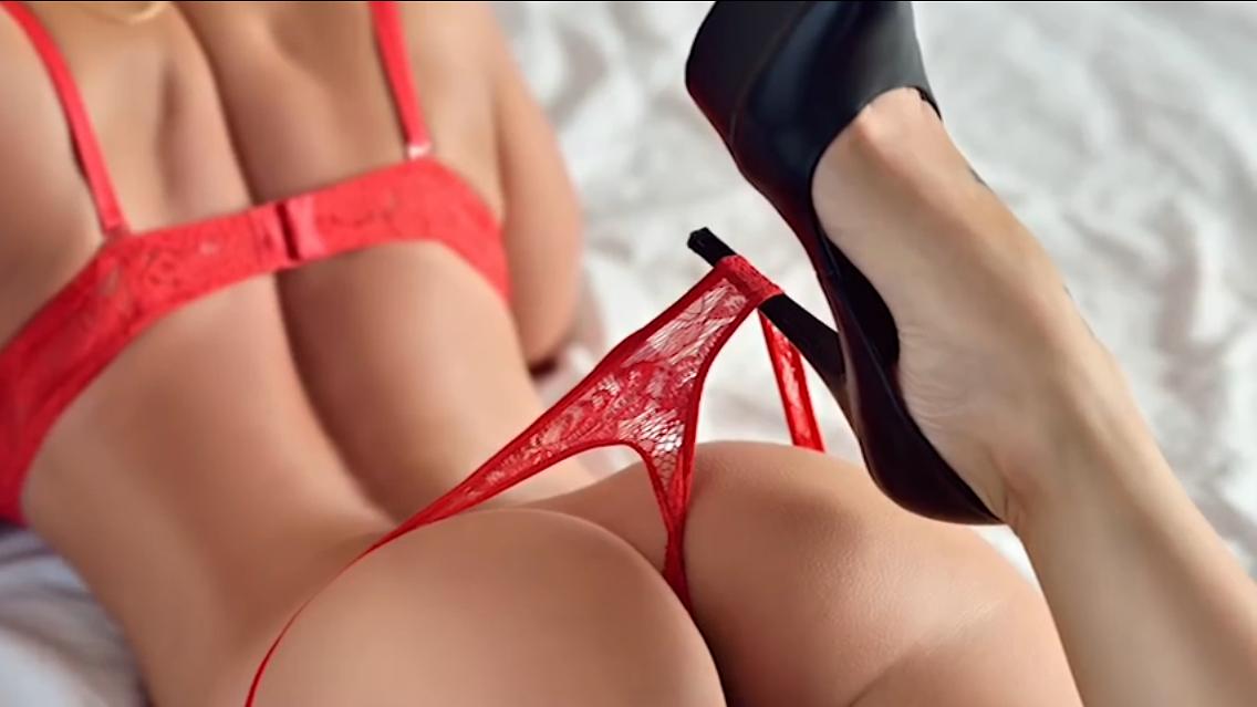 Порно фото мамки в сперме сосут член