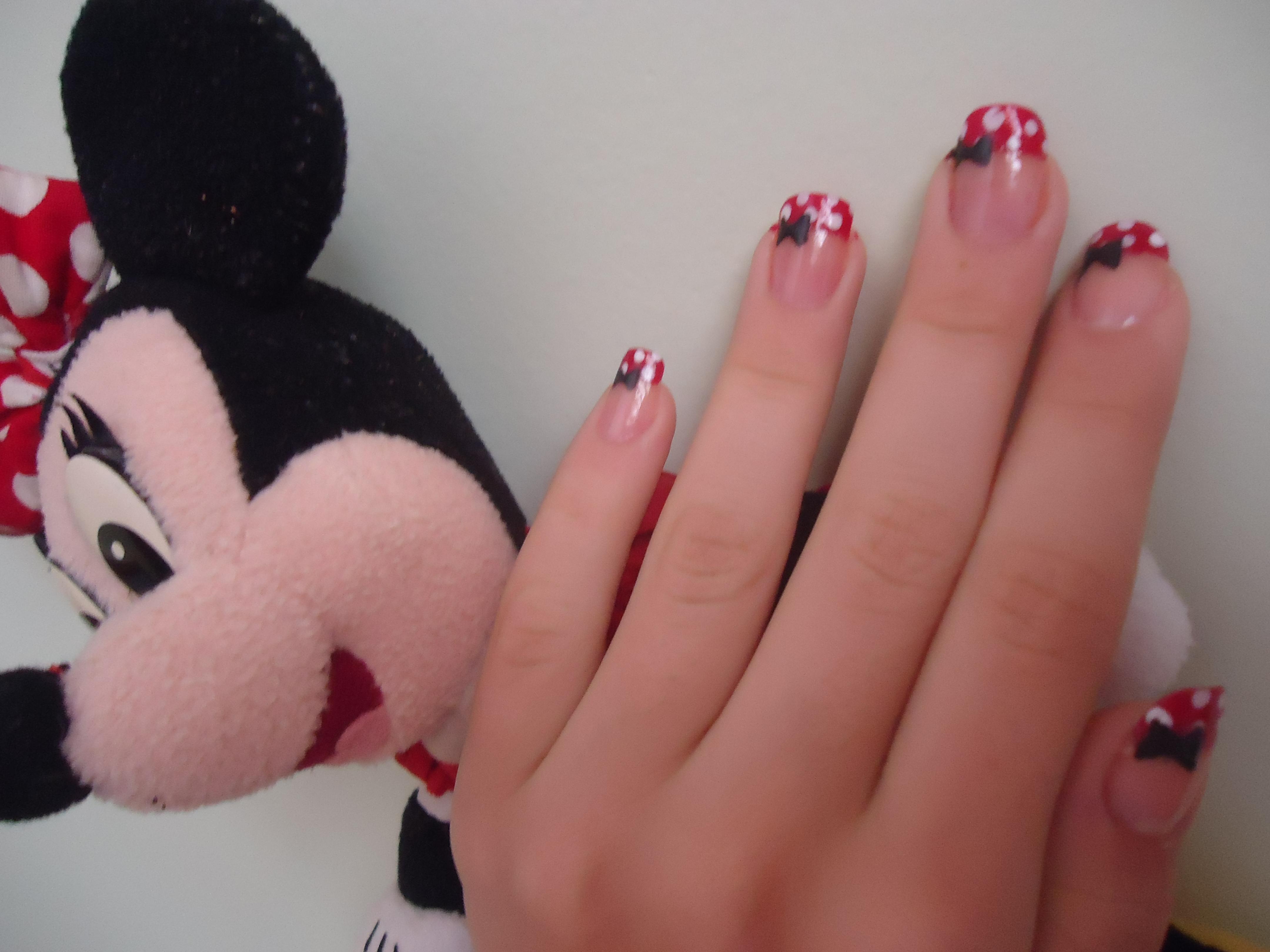 Desenhos mais usados em unhas Mickey