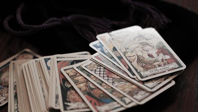 Výsledek obrázku pro tarot cards tumblr