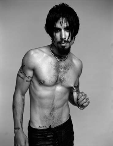 this blog is entirely dedicated to the musical legend Dave Navarro ...