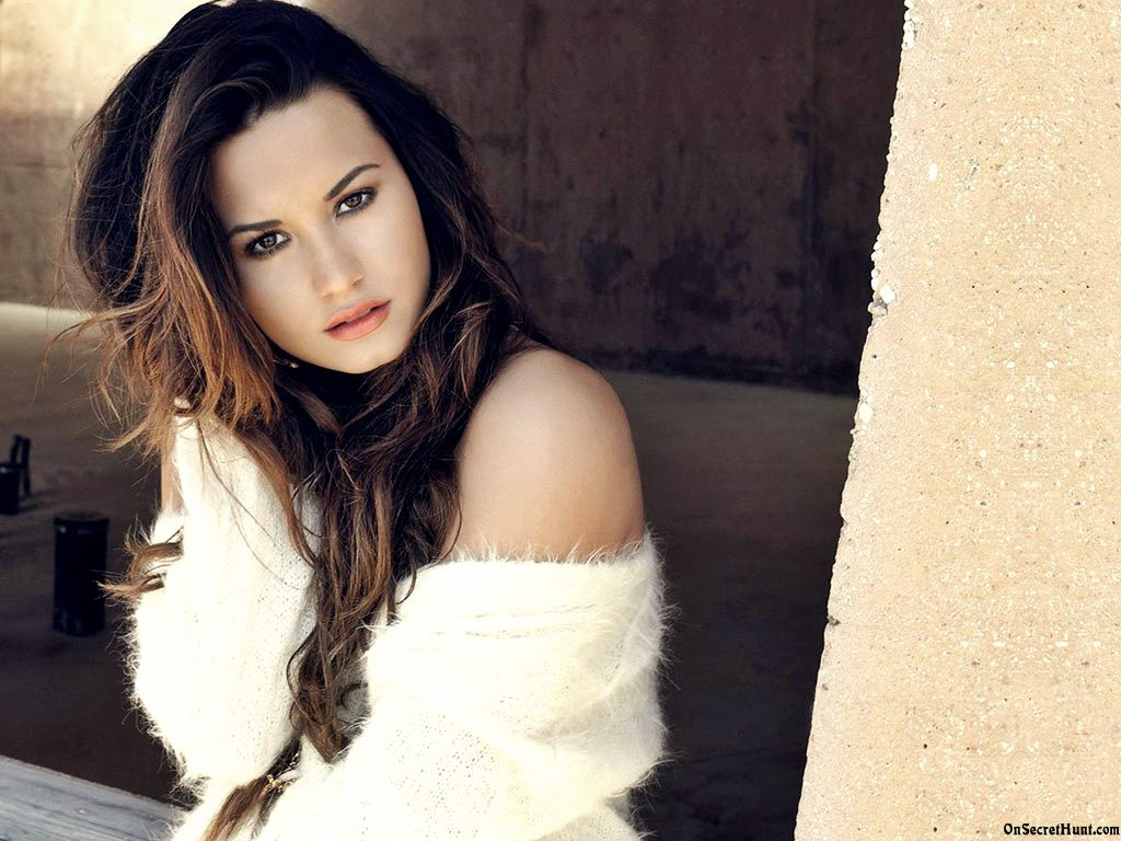 Demi Lovato is just so perfect. - We love Demi
