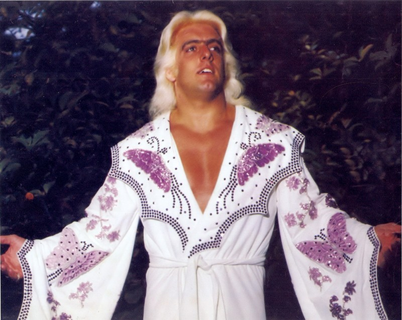 هل تتخيل أن هذا هو أندر تيكر أسطورة الـ WWE ! 5