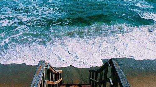 Resultado de imagem para praia tumblr
