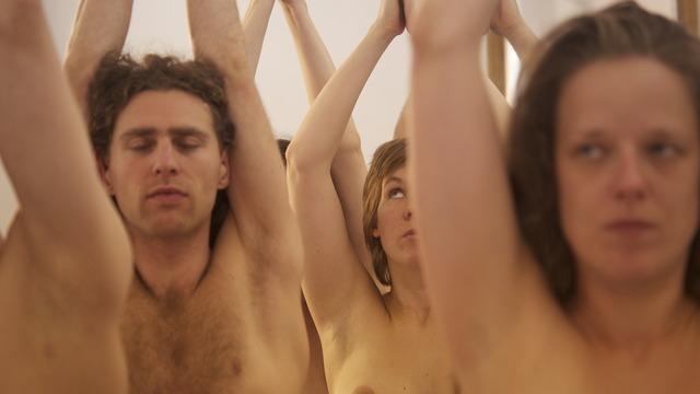 Berlin Yoga Nackt