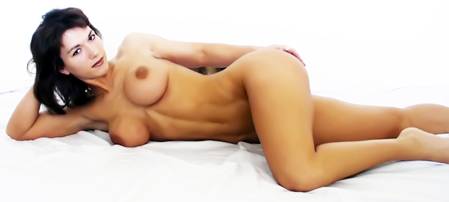 Female Naked Muscle 35