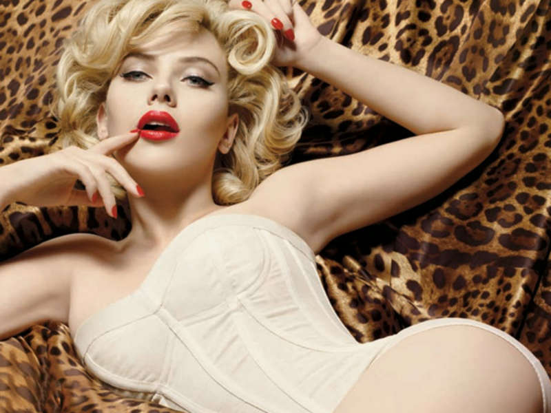 Blond babe seducing