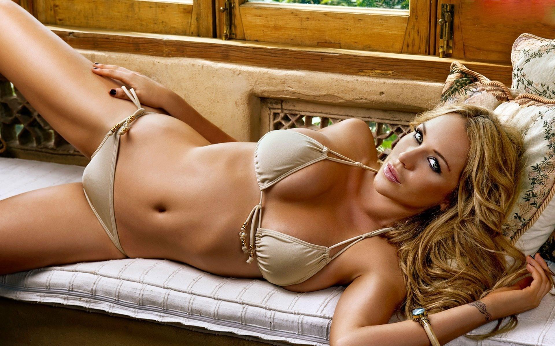 Самые сексуальные девушки всех времен, Самые красивые женщины всех времён по версии 25 фотография
