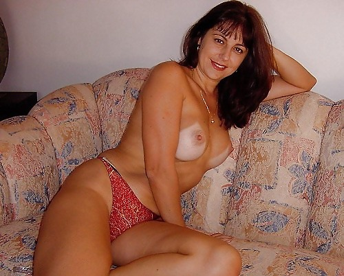 Mature Women In Pantyes 54