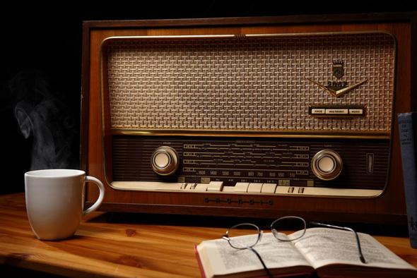 radio livro e café