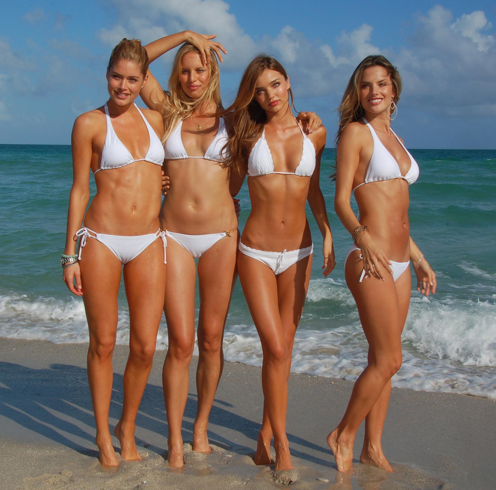 Фото девушек на пляжах россии 10 фотография