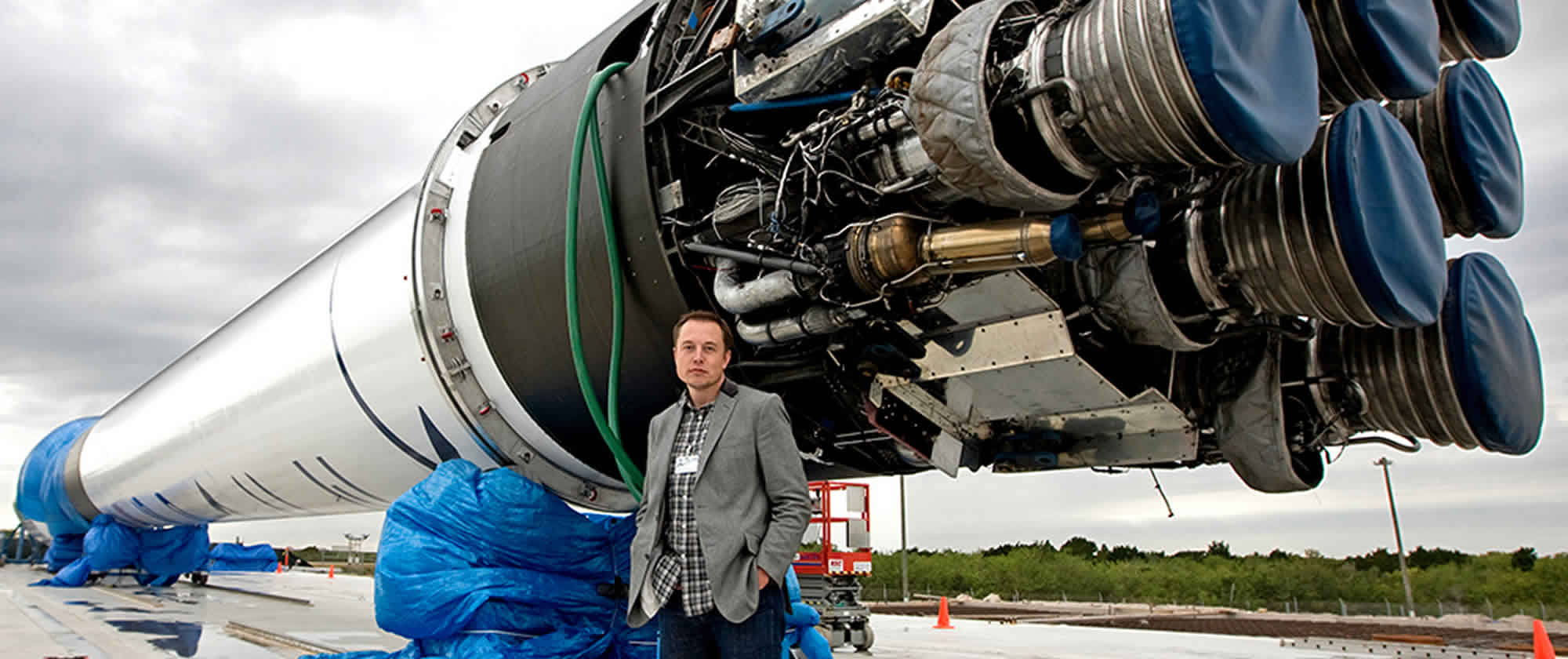 elon reeve musk born june 28 1971 is a south african born canadian american business magnate investor engineer and inventor