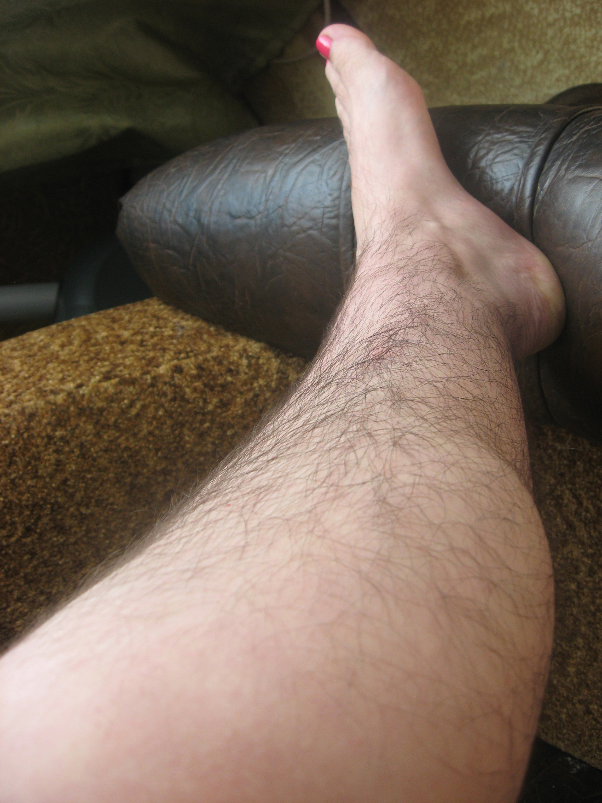 SUPER HAIRY FEMALE LEGS